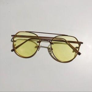 70's vibe yellow tinted aviators